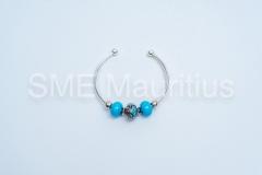 SKU48-Three-bead-bangle-silver-plated-and-murano-glass-beads-Studio-44-ltd-Mr-Jean-Claude-Desvaux-de-Marigny-Tel-59368660-contact@studio44mauritius.com-2